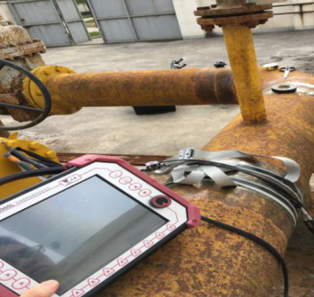 Pipeline electromagnetic guide wave detection