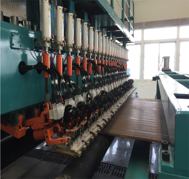 Electromagnetic ultrasonic automatic testing equipment for steel plate