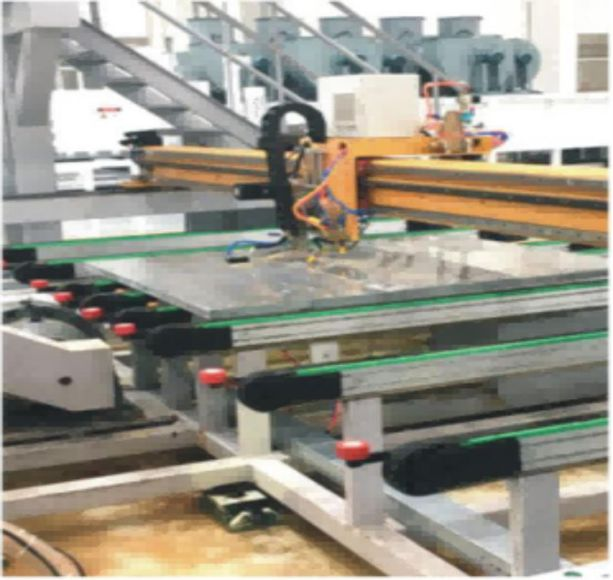 Phased array ultrasonic automatic testing equipment for special plate