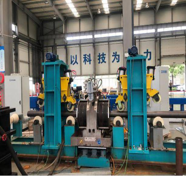 Phased array ultrasonic automatic testing equipment for the seamless pipe